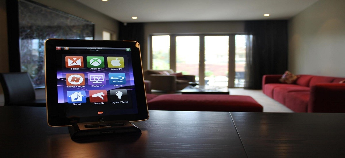 Tips on buying security and home automation system to turn your home into a smart home