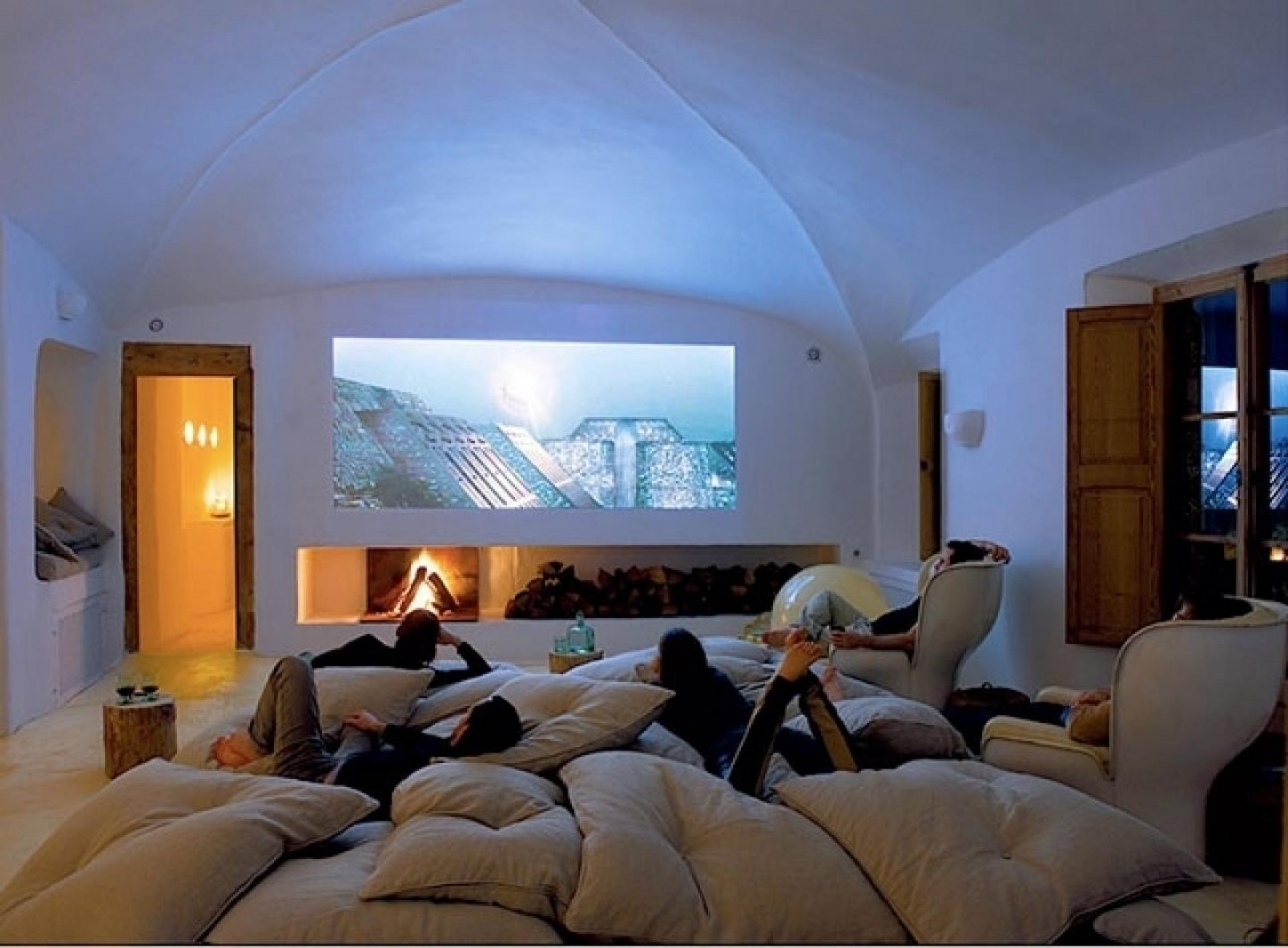 Which One for the Home Cinema – Video Projector or an LCD Display?