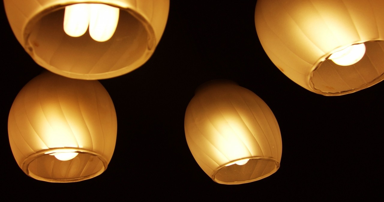 How to Save Energy on Outdoor and Indoor Lighting
