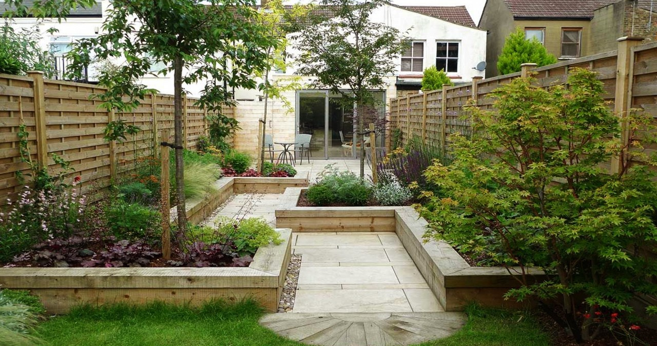 Pathway Landscaping Tips for Beginner Exterior Designers