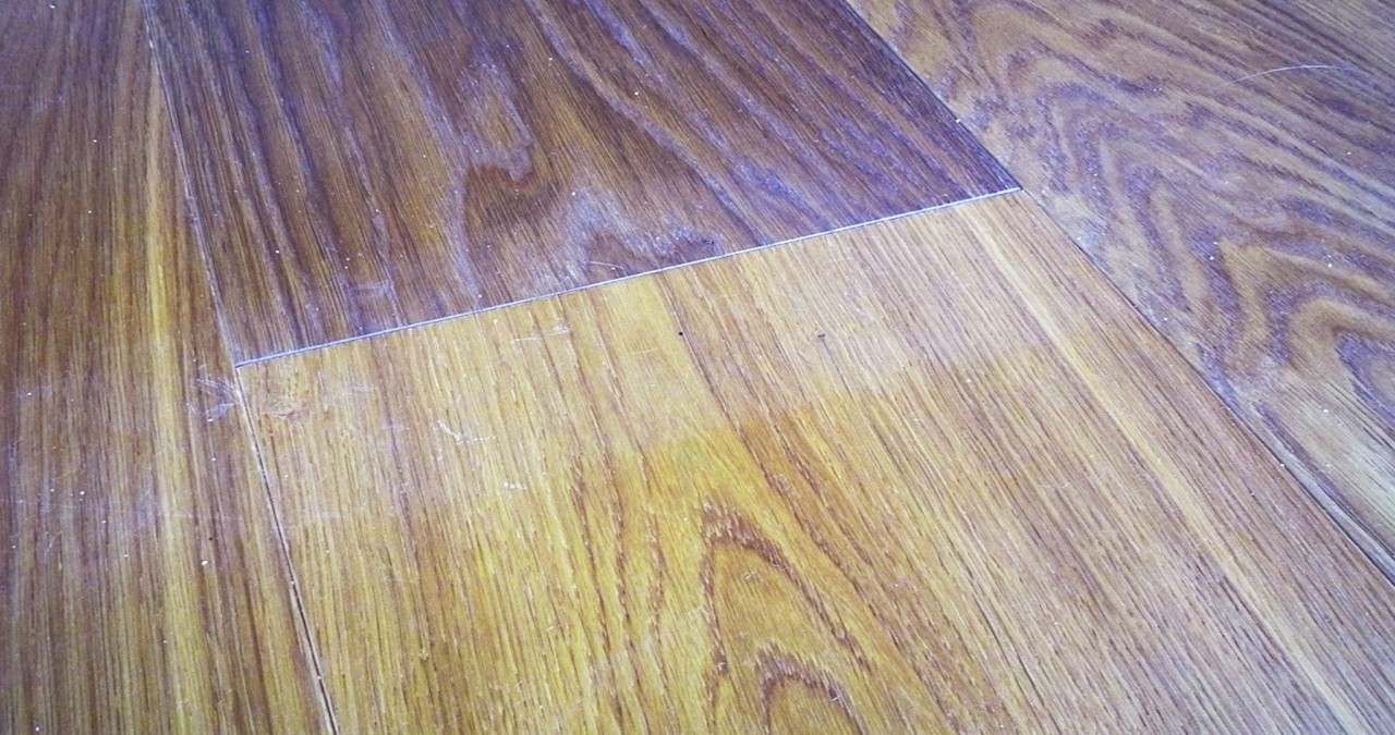 Designer Tips for Removing Scuff Marks from Painted Surfaces and Floors