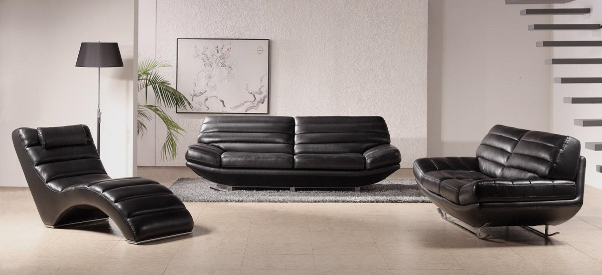 Furniture to Use with Leather Sofa