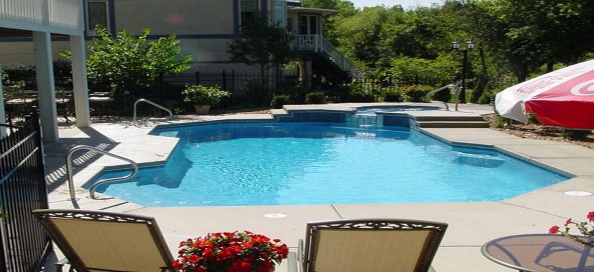 Helpful pool maintenance tips homeowners should know