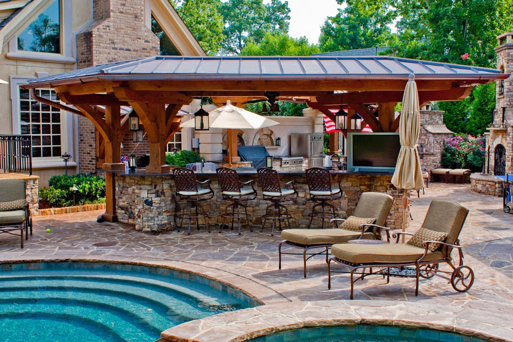 Four Essentials to Outdoor Kitchen Design