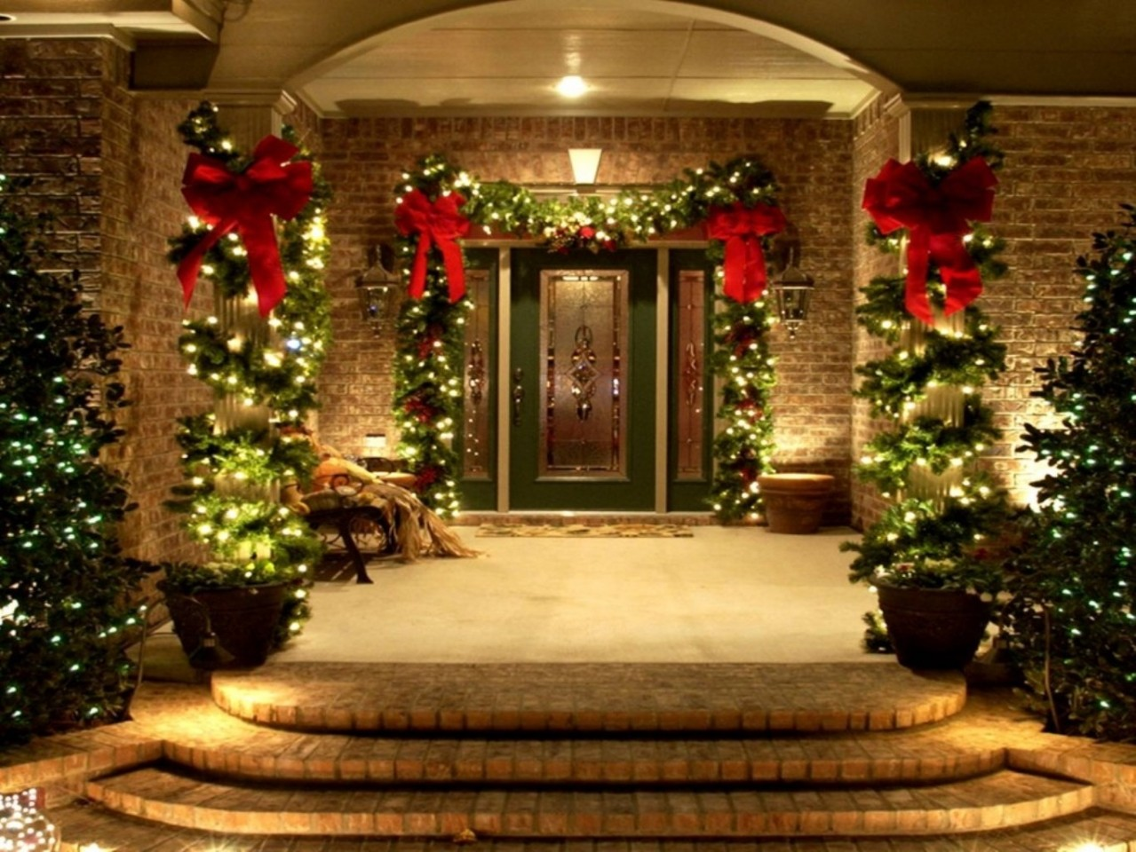 Warm Up the Home with Christmas Lights Year-Round