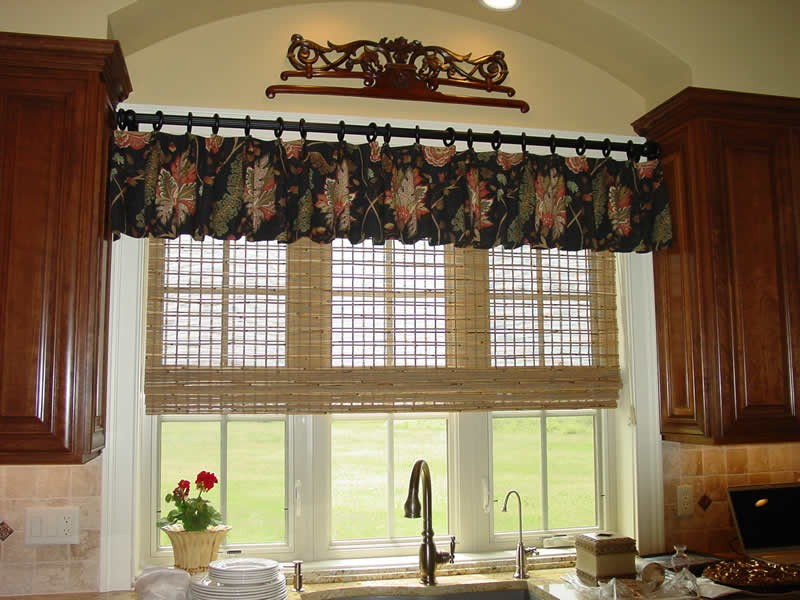 Money-saving Ideas with Cheap Window Treatments